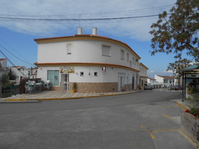 2 BED APARTMENT –  CANILLAS DE ACEITUNO –  FOR SALE