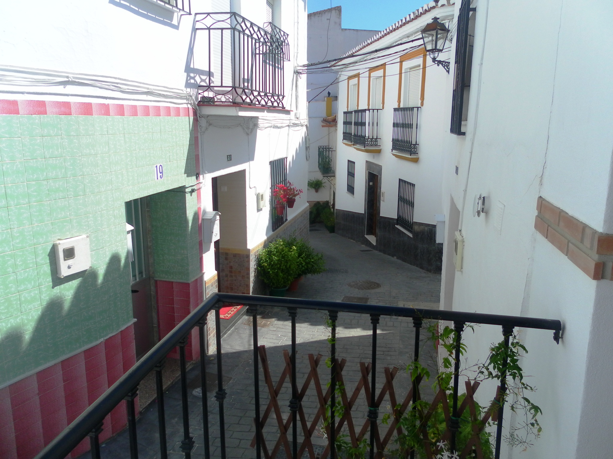 3 BED VILLAGE HOUSE FOR SALE -BENAMAGOSA