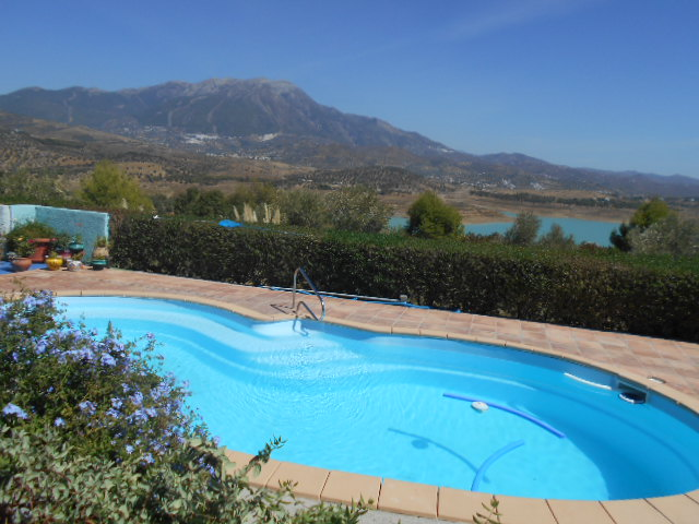 5 BED VILLA LOS ROMANES FOR SALE