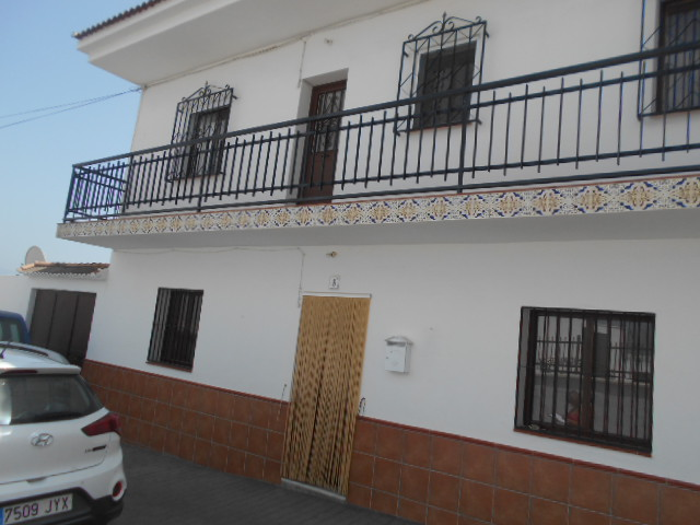 6 BEDROOM TRADITIONAL SPANISH HOUSE – LOS ROMANES