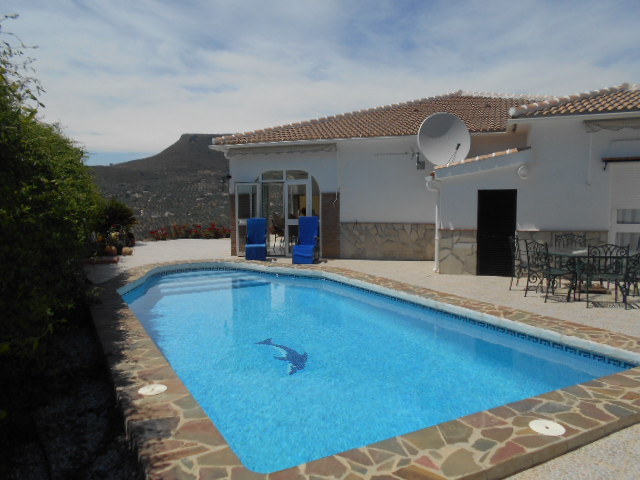 LUXURY 3 BED VILLA ALCAUCIN FOR SALE