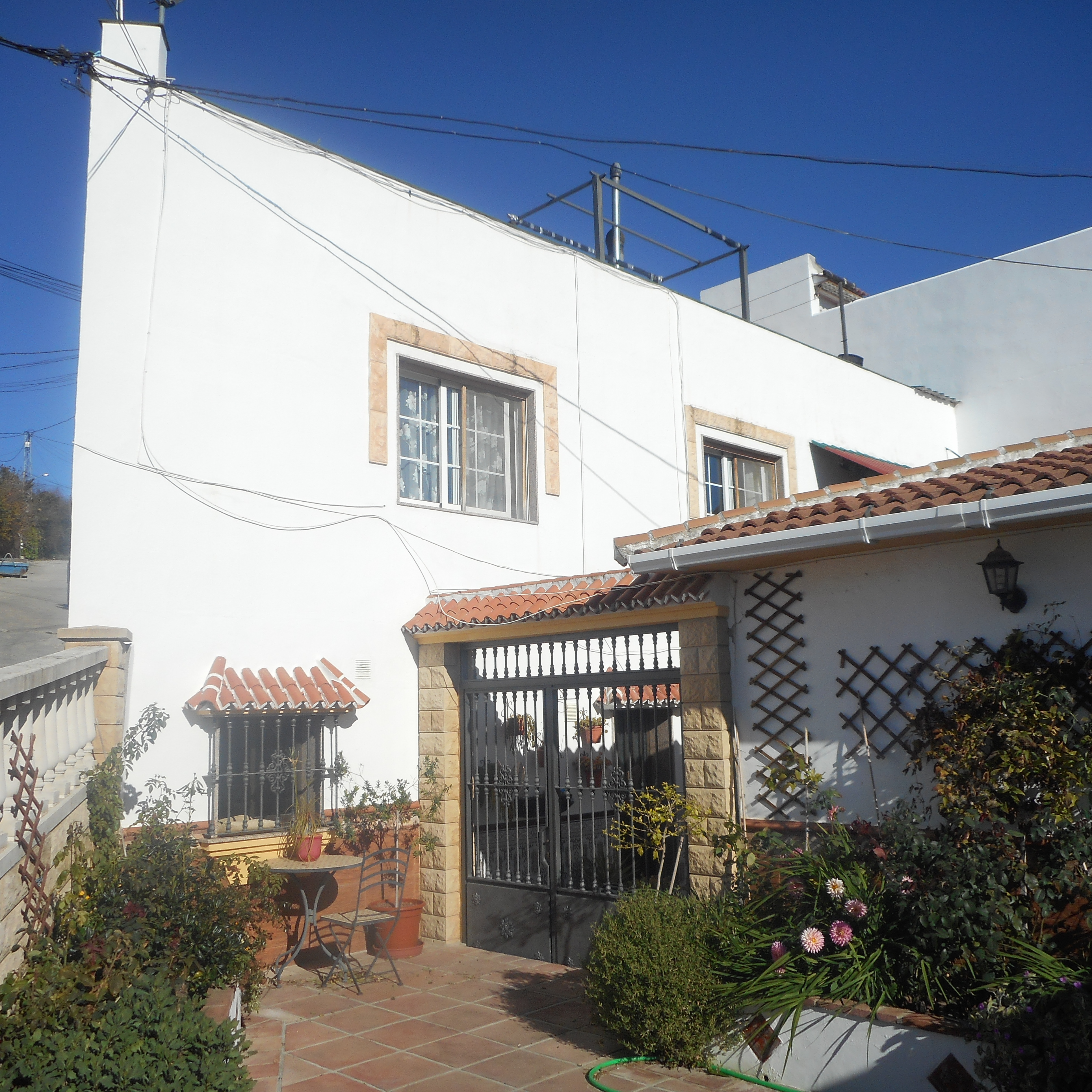 LARGE 3 BED VILLAGE HOUSE IN PERIANA