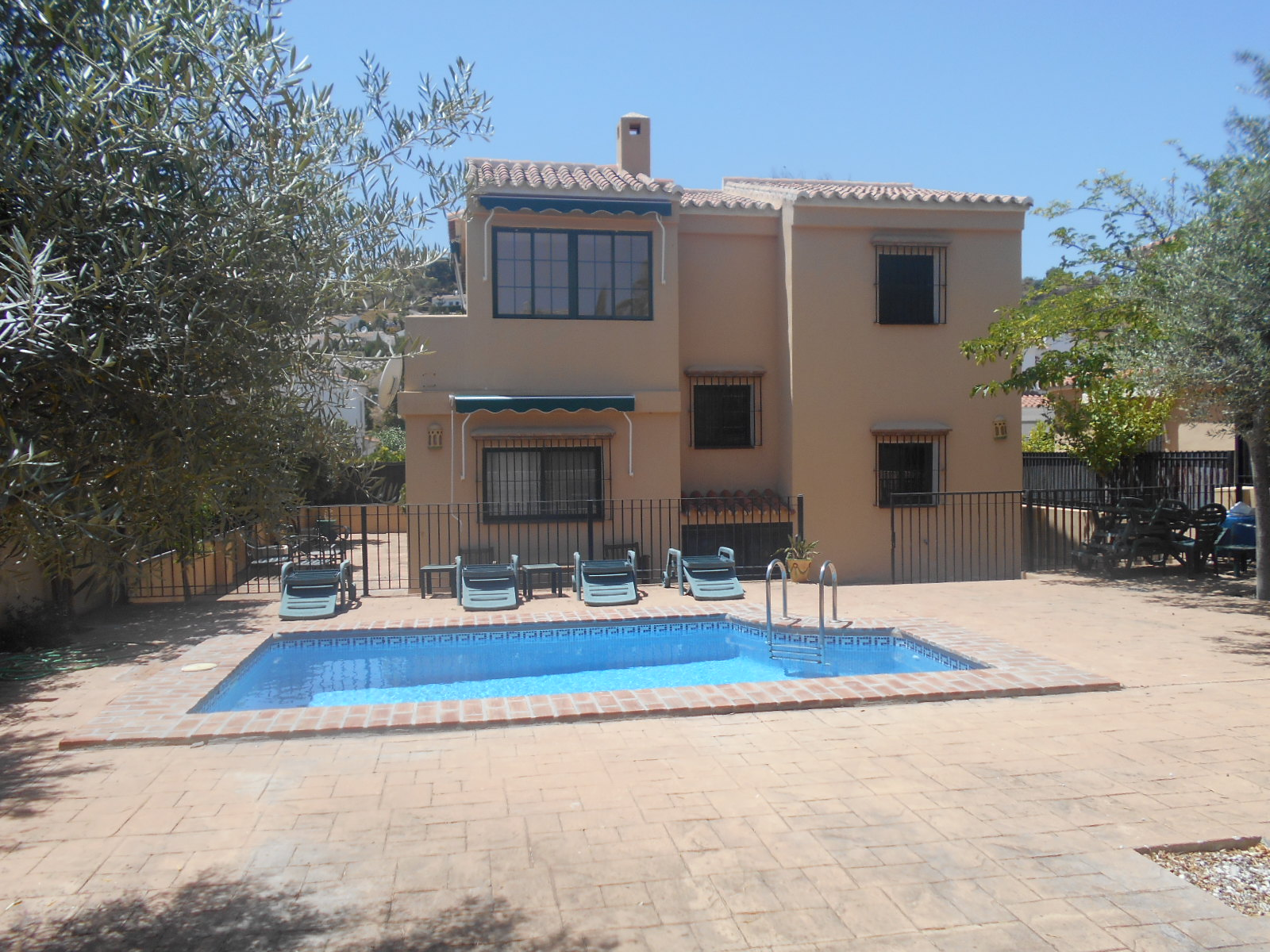 4 BEDROOM VILLA IN PUENTE DON MANUEL From £500/WEEK UP TO 8 PEOPLE