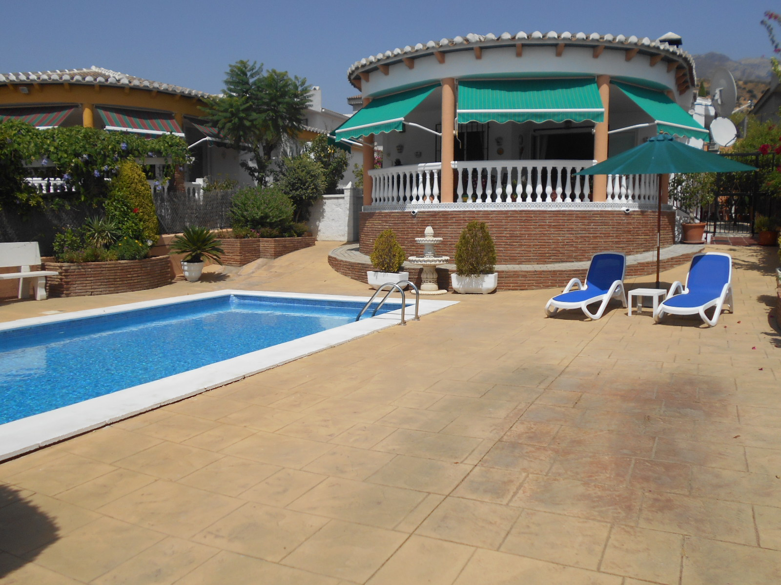 2 BEDROOM VILLA CLOSE TO EL PRADO