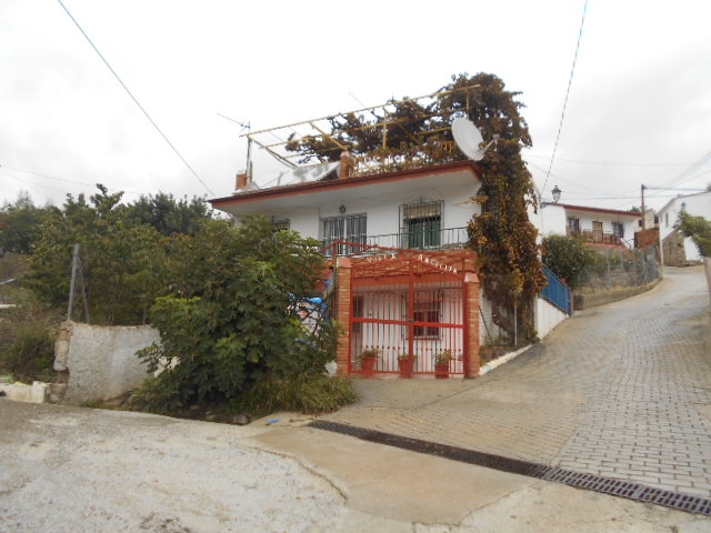 6/7 BEDROOM HOUSE LA ZUBIA