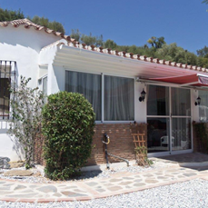 4 BEDROOM VILLA BETWEEN RIOGORDO AND COMARES – VELEZ MALAGA