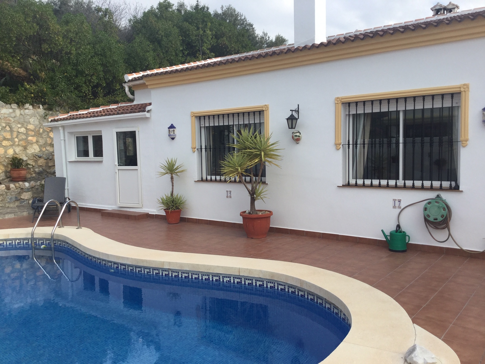 CHARMING 2 BED VILLA, MONDRON