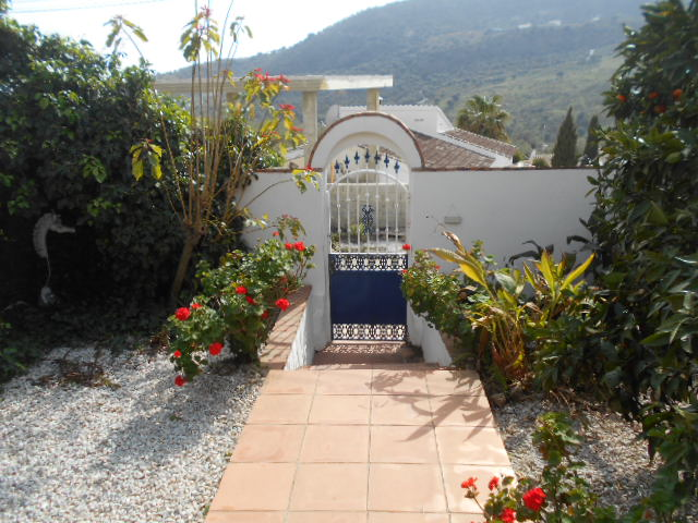 4/5 BEDROOM VILLA HOUSE IN MONDRON FOR SALE