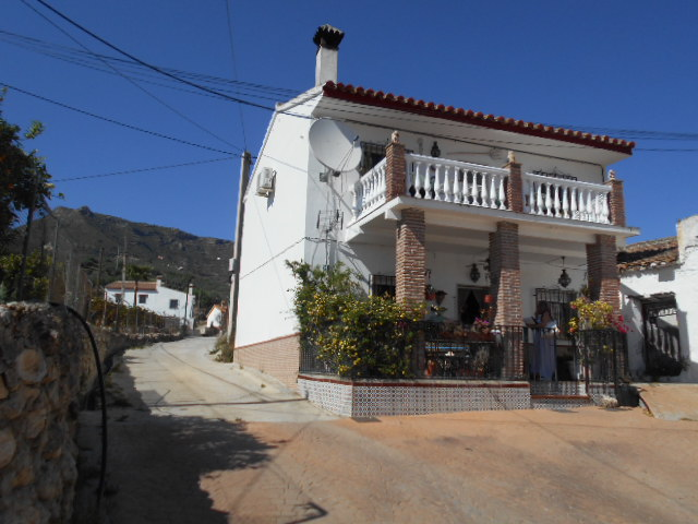 2 STOREY DETACHED HOUSE FOR SALE – LOS CORTILLIOS – ALCAUCIN