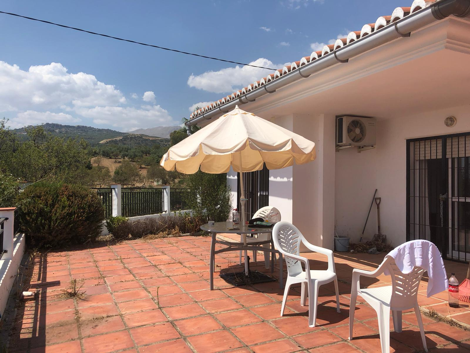 THIS 3BED 2 BATH HOUSE – FOR RENT- RIO SECO